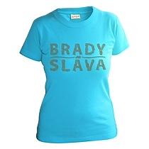 Tričko s krátkymi rukávmi z bavlny pre dievčatá svetlo modrej farby s nápisom Brady sláva ktorý má textúru pripomínajúcu fúzy