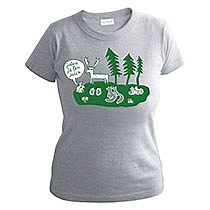 Veselé dievčenské sivé tričko s krátkymi rukávmi so zelenou potlačou lesa a zvieratami a bublinou nad zajacmi s textom Jeleň je len jeden z bavlny