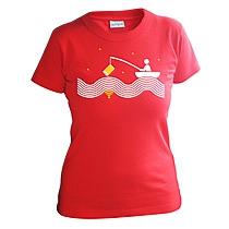 Vtipné červené tričko s krátkymi rukávmi pre dievčatá s potlačou človeka na loďke chytajúceho wifi na mori pri hviezdach s udicou na ktorej má smartphone