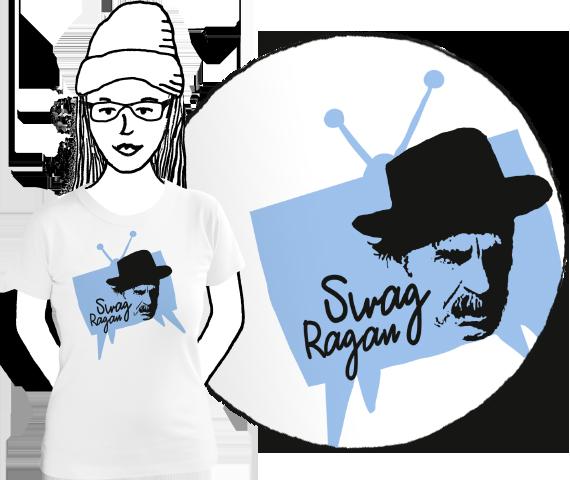 Biele dámske bavlnené tričko s krátkymi rukávmi a bledo modrou potlačou starej televízie v ktorej je čierny obrázok sváka Ragana a nápis Swag Ragan