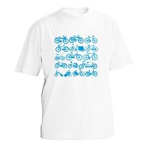 Bavlnené tričko biele chlapčenské s krátkymi rukávmi s bledo modrou potlačou bicyklov zoradených v štyroch radoch po 3 rôzne bicykle